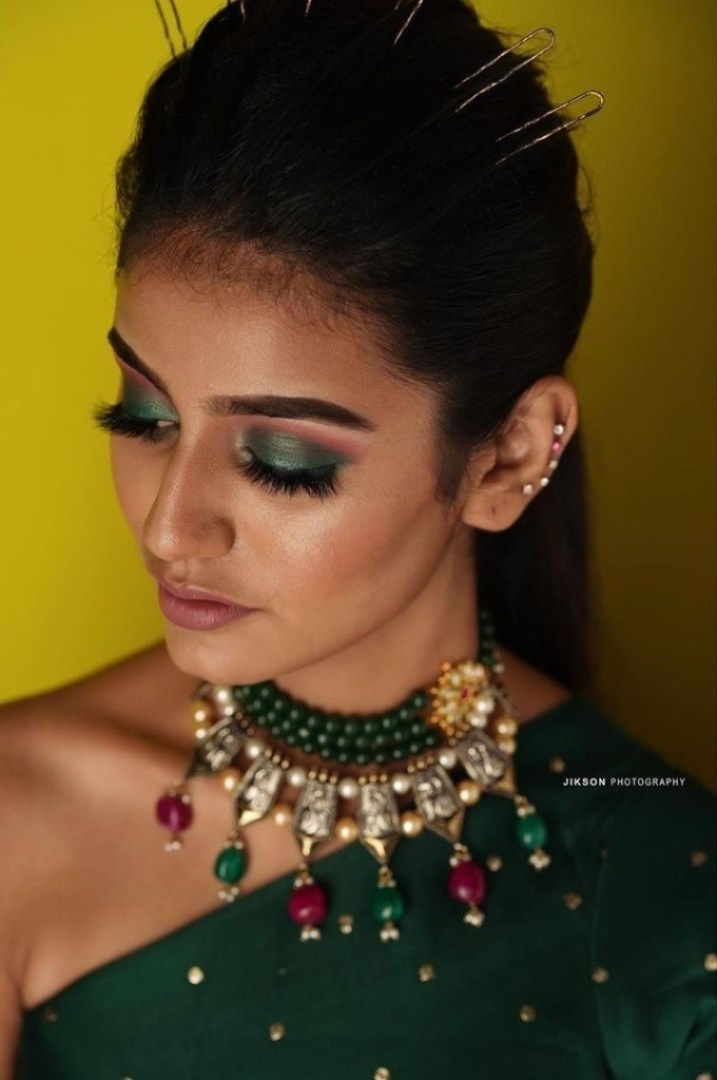 108+ Cute Photos of Priya Prakash Varrier 61