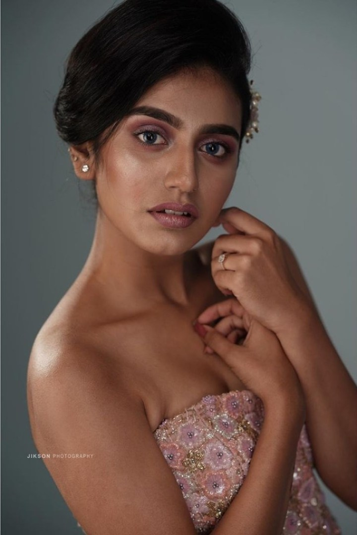 108+ Cute Photos of Priya Prakash Varrier 63