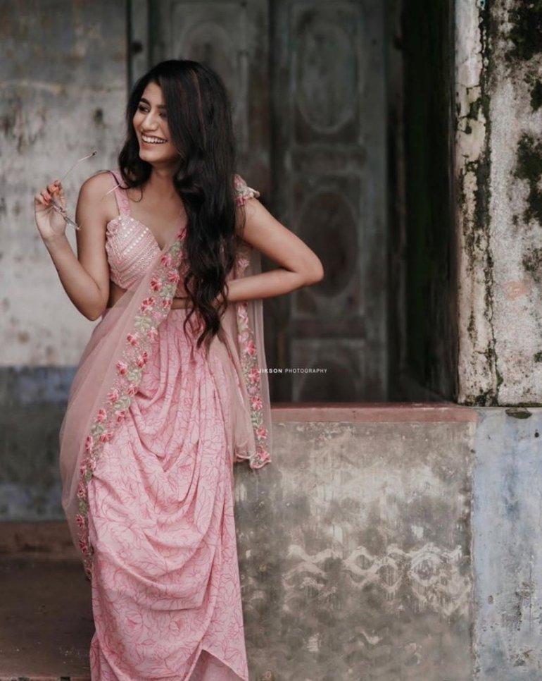 108+ Cute Photos of Priya Prakash Varrier 175
