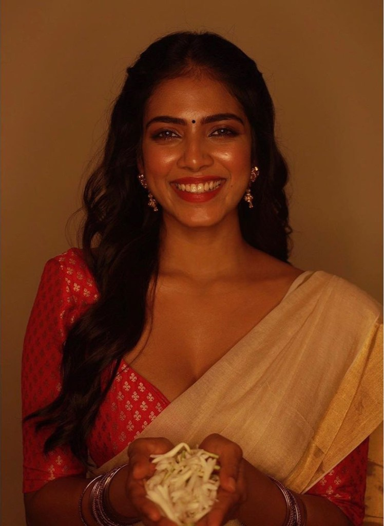 117+ Stunning Photos of Malavika Mohanan 94