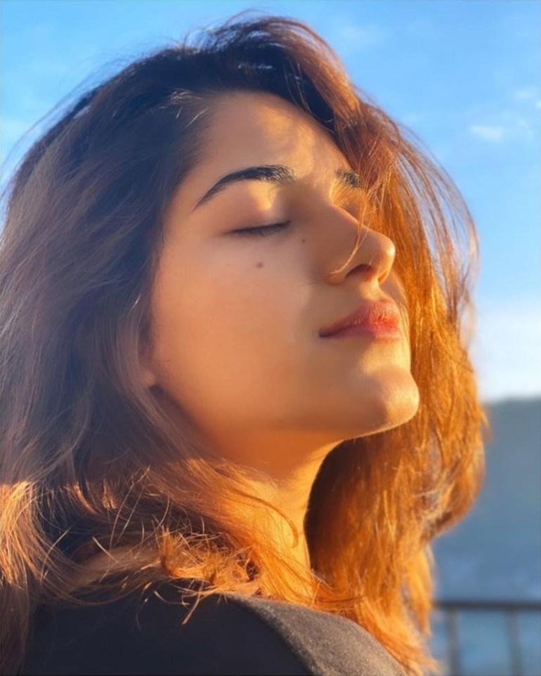 89+ Gorgeous Photos of Ruhani Sharma 48