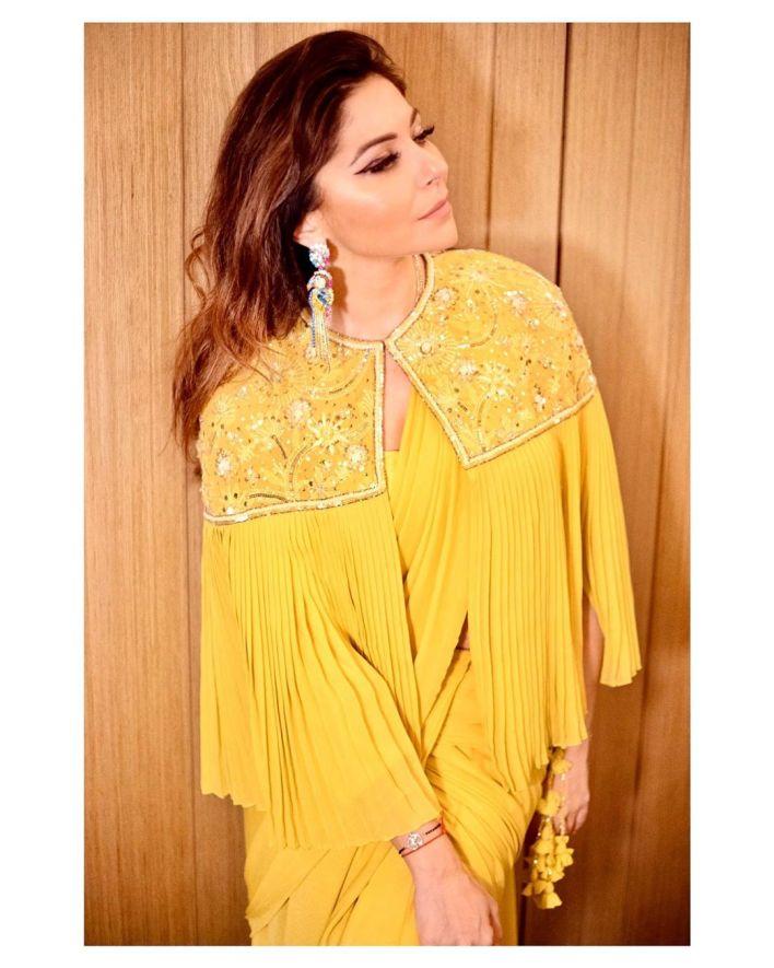 48+ Gorgeous HD Photos of Kanika Kapoor 25