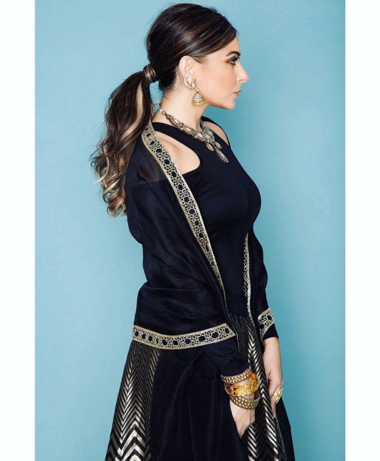 48+ Gorgeous HD Photos of Kanika Kapoor 115