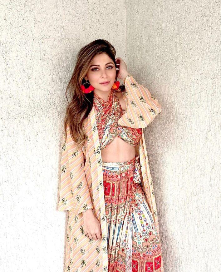 48+ Gorgeous HD Photos of Kanika Kapoor 34