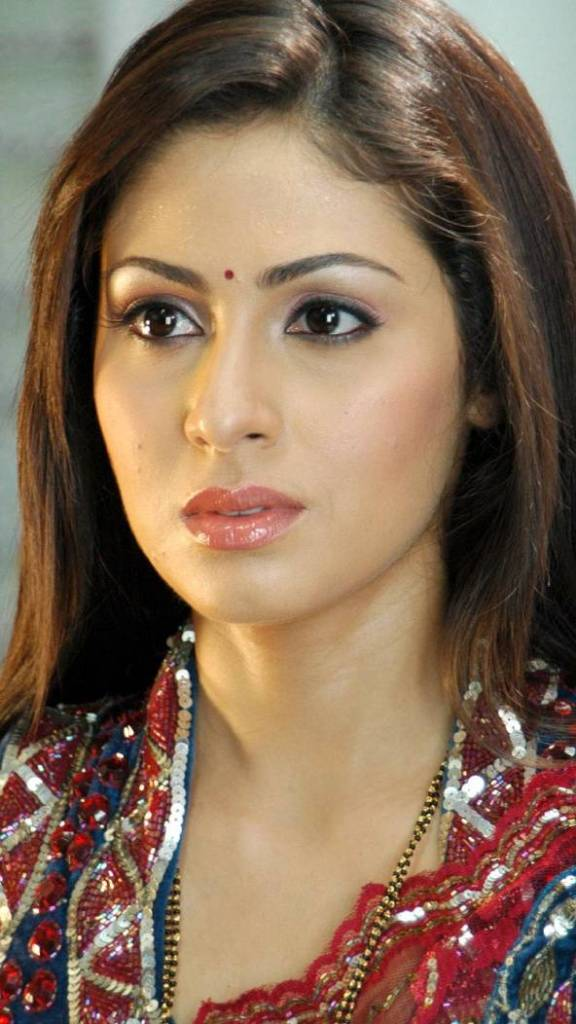 44+ Lovely Photos of Sadha 7