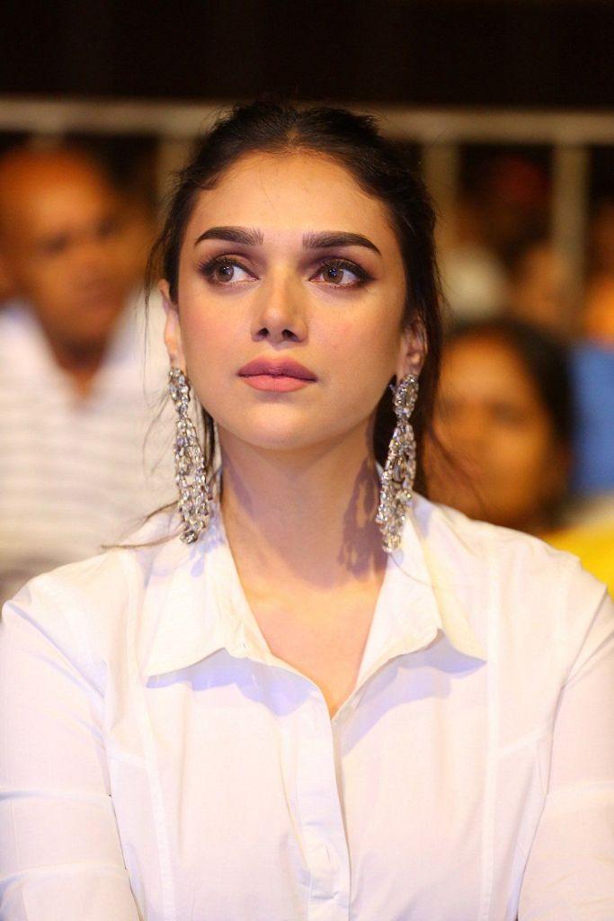 95+ Glamorous Photos of Aditi Rao Hydari 4
