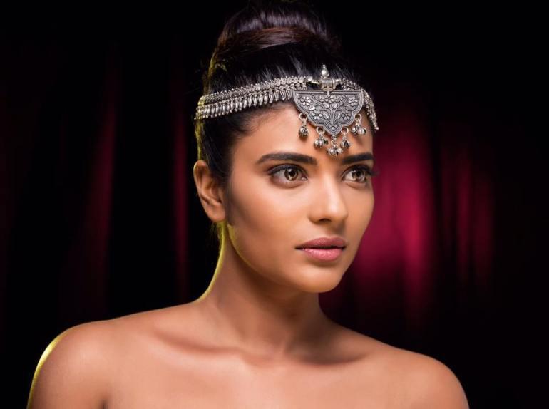 37+ Gorgeous Photos of Aishwarya Rajesh 28
