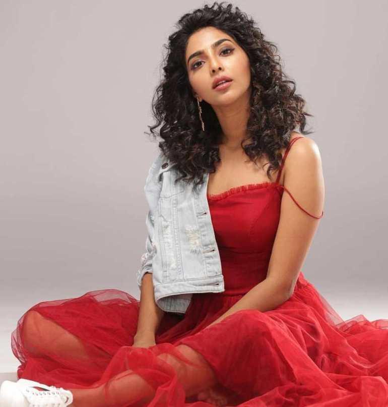 60+ glamorous Photos of Aishwarya Lekshmi 92