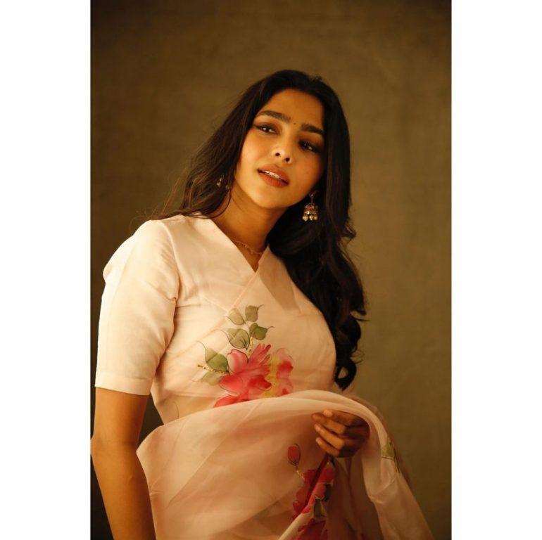 60+ glamorous Photos of Aishwarya Lekshmi 144