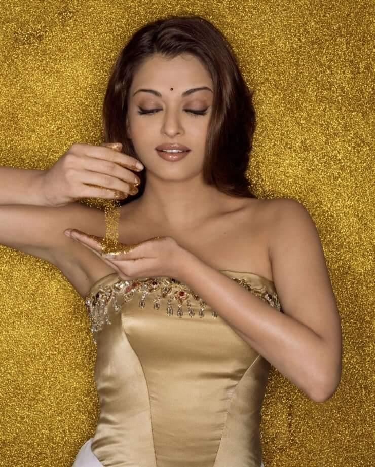 78+ Glamorous Photos Aishwarya Rai 116