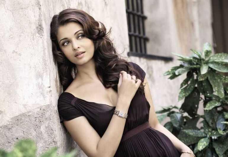 78+ Glamorous Photos Aishwarya Rai 118