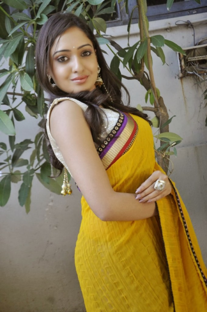 21+ Lovely Photos of Anjana Deshpande 9