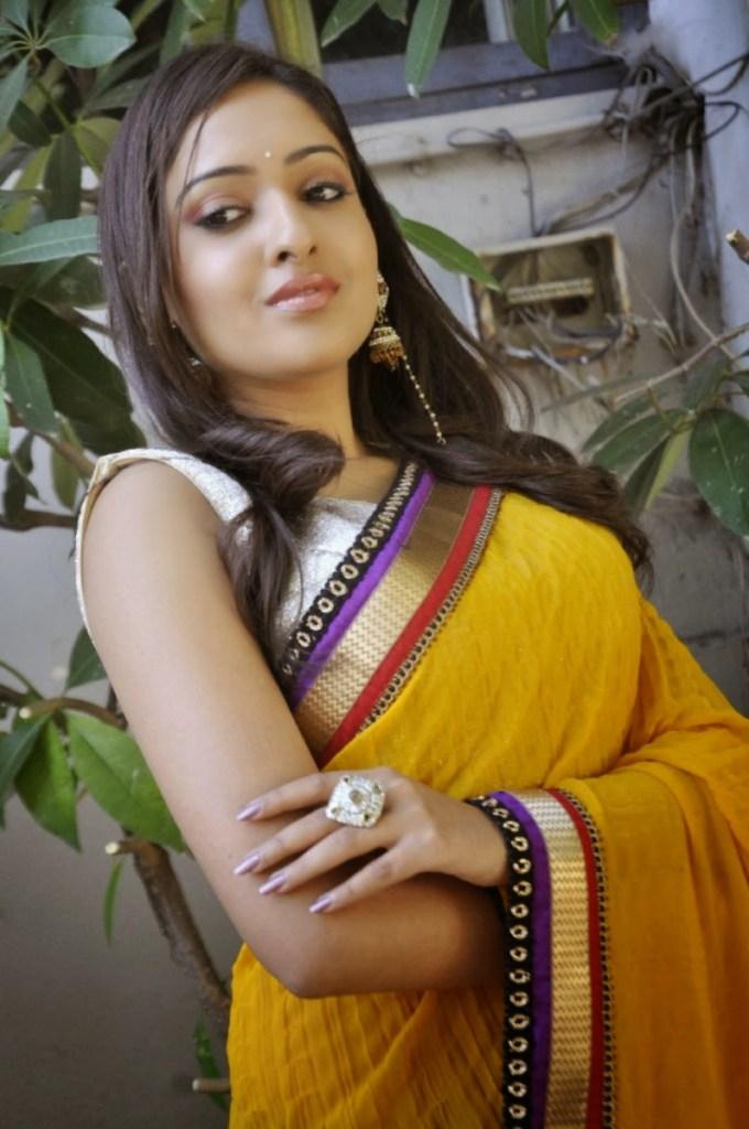 21+ Lovely Photos of Anjana Deshpande 10