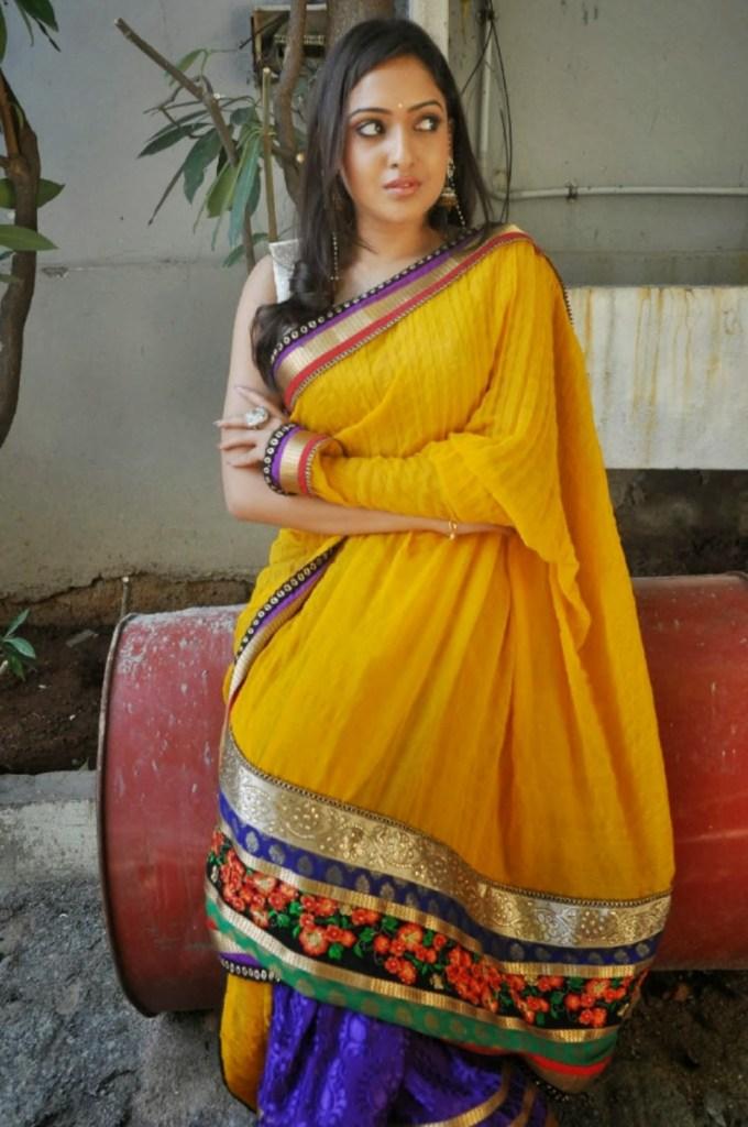 21+ Lovely Photos of Anjana Deshpande 13