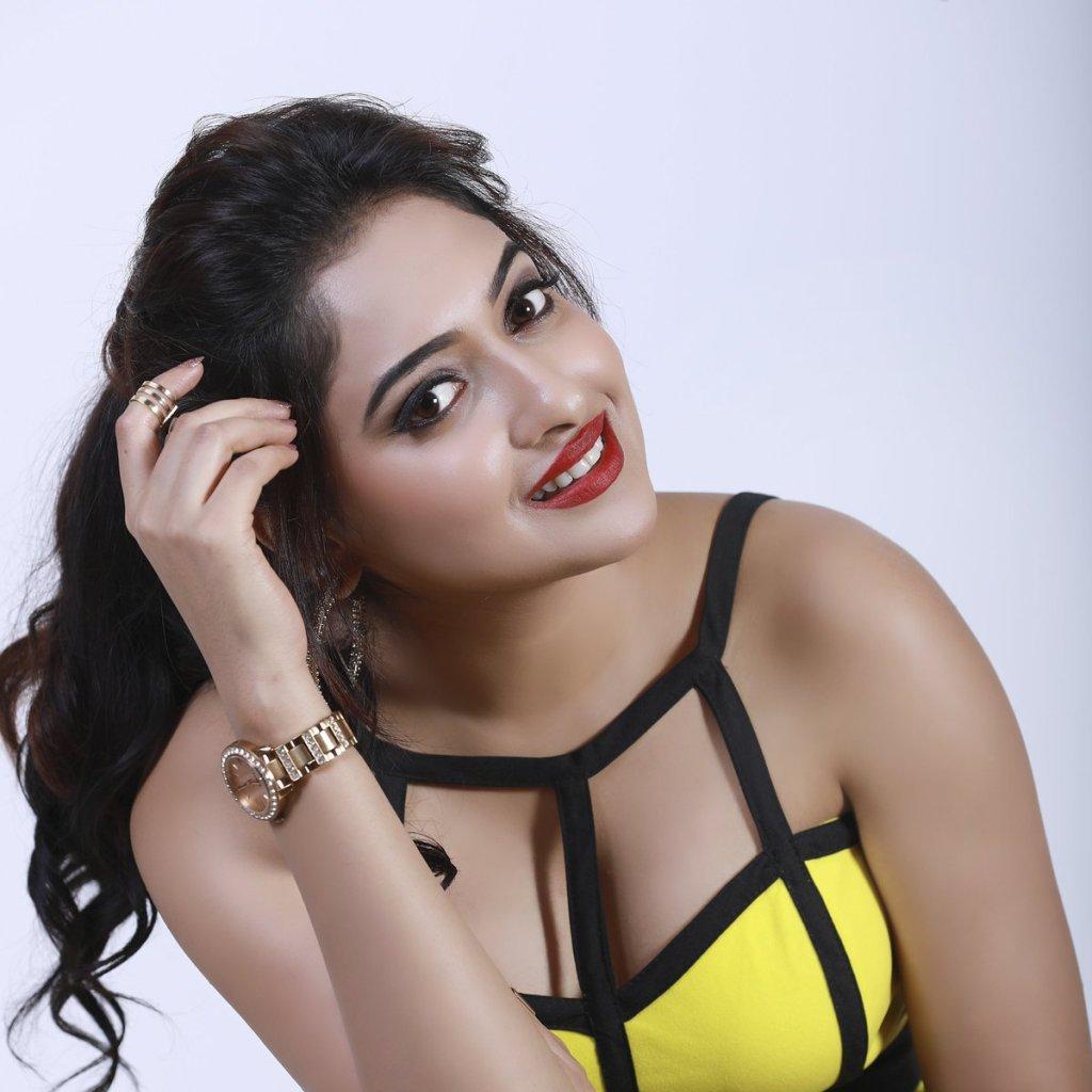 21+ Lovely Photos of Anjana Deshpande 14