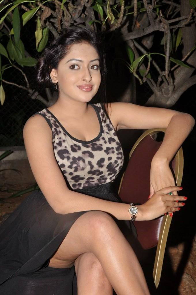21+ Lovely Photos of Anjana Deshpande 7