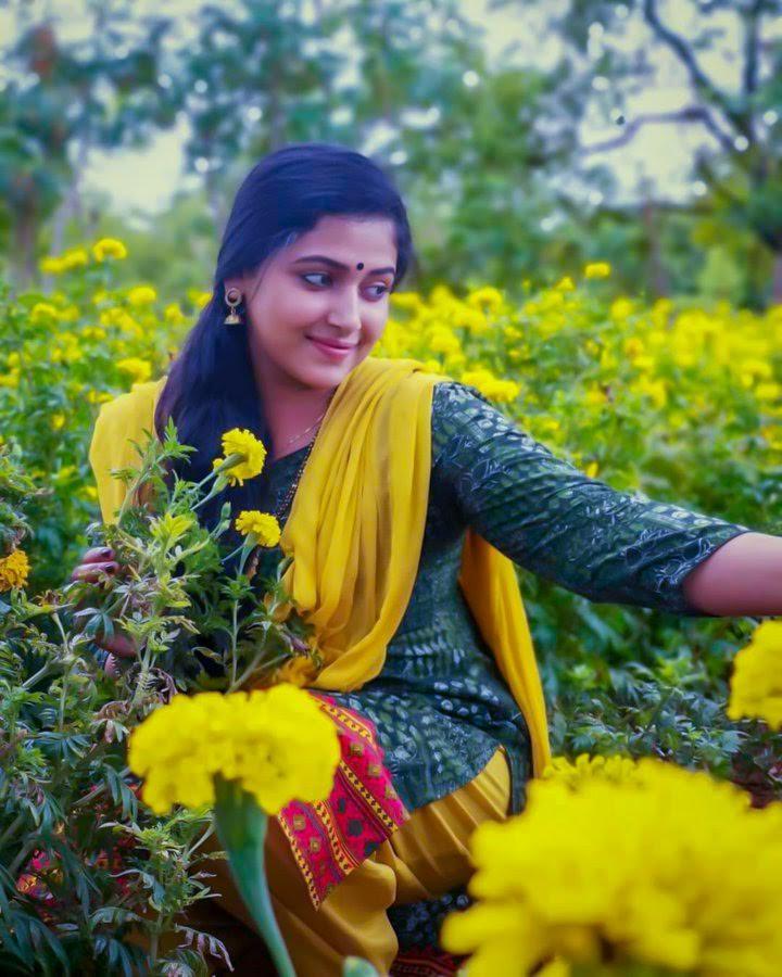 49+ Lovely Photos of Anu Sithara 109