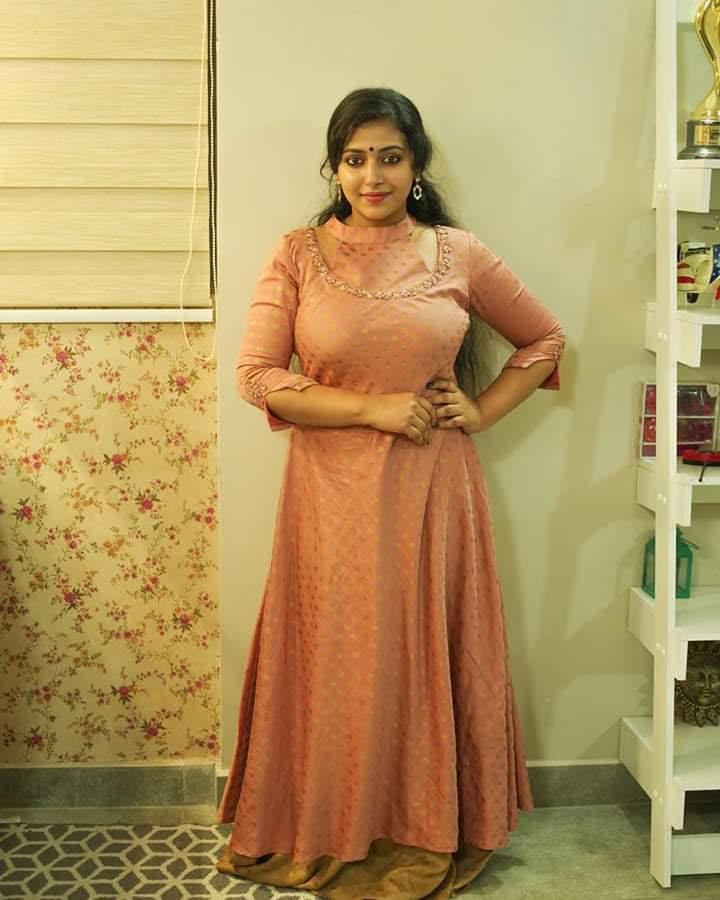 49+ Lovely Photos of Anu Sithara 36