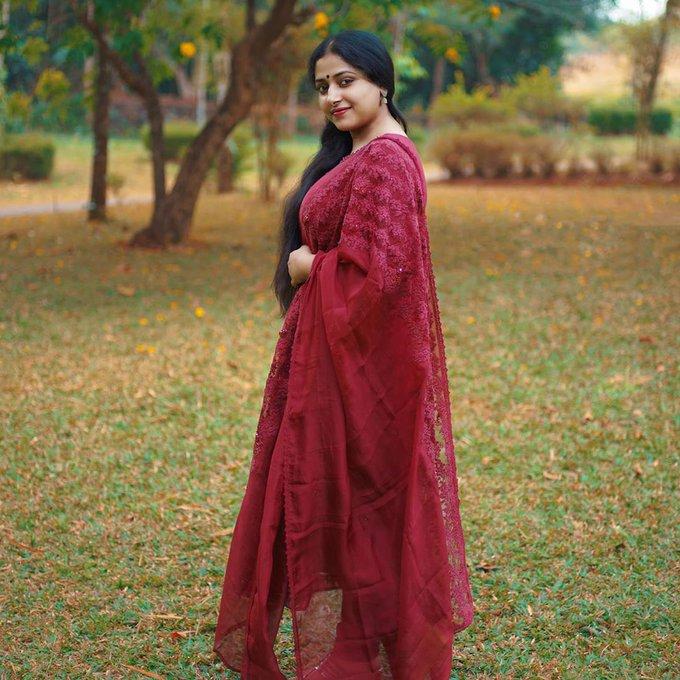 49+ Lovely Photos of Anu Sithara 121