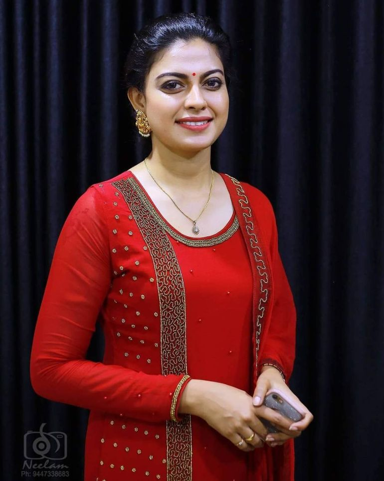Check out this 89+ HD Photos of Anusree 128