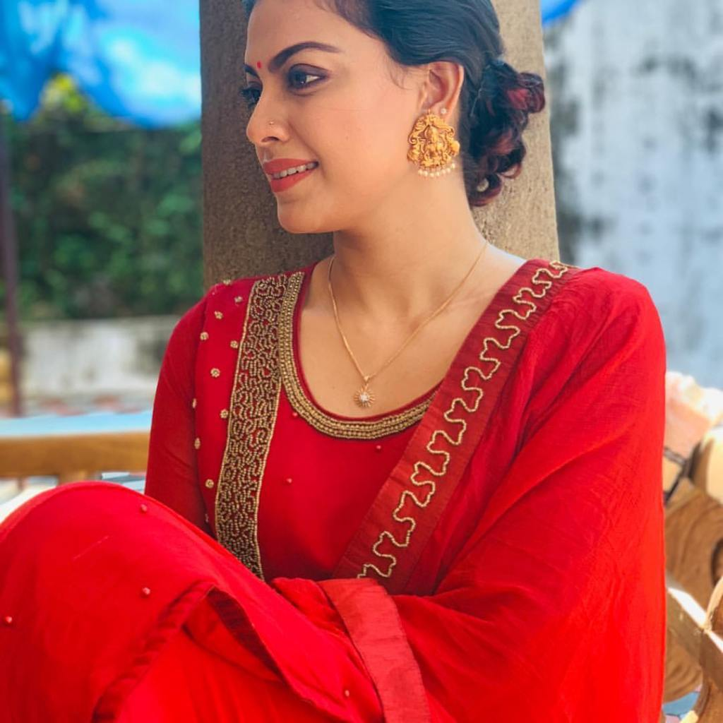Check out this 89+ HD Photos of Anusree 52