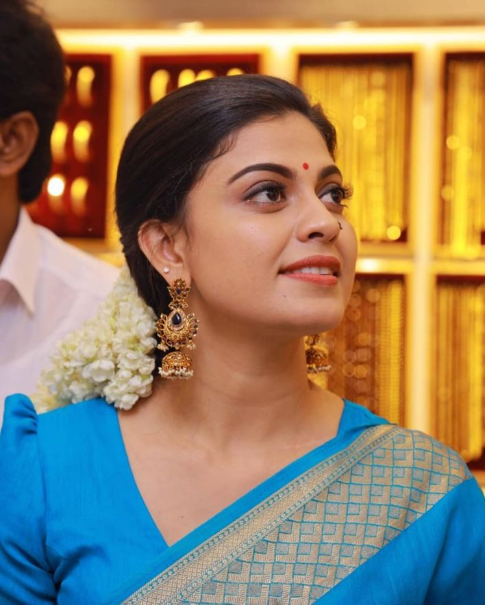 Check out this 89+ HD Photos of Anusree 13