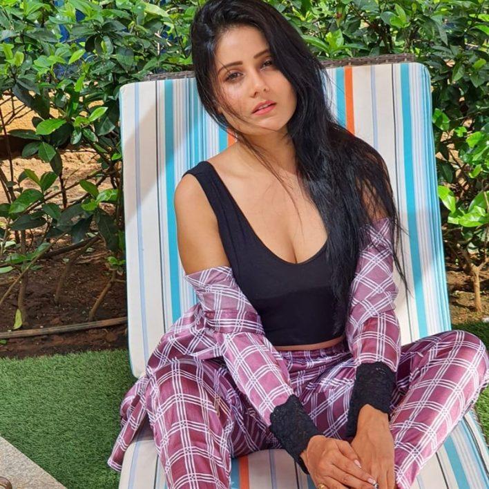 48+ Glamorous Photos of Archana Gupta 42