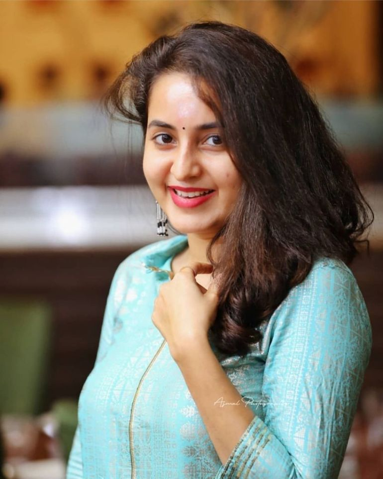 25+ Gorgeous Photos of Bhama 99