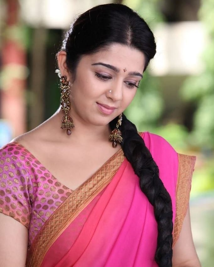 27+ Beautiful Photos of Charmy Kaur 12