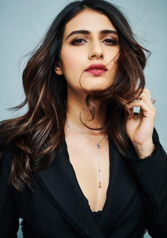 74+ Gorgeous Photos of Fathima Sana Shaikh 18