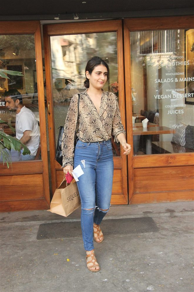 74+ Gorgeous Photos of Fathima Sana Shaikh 137