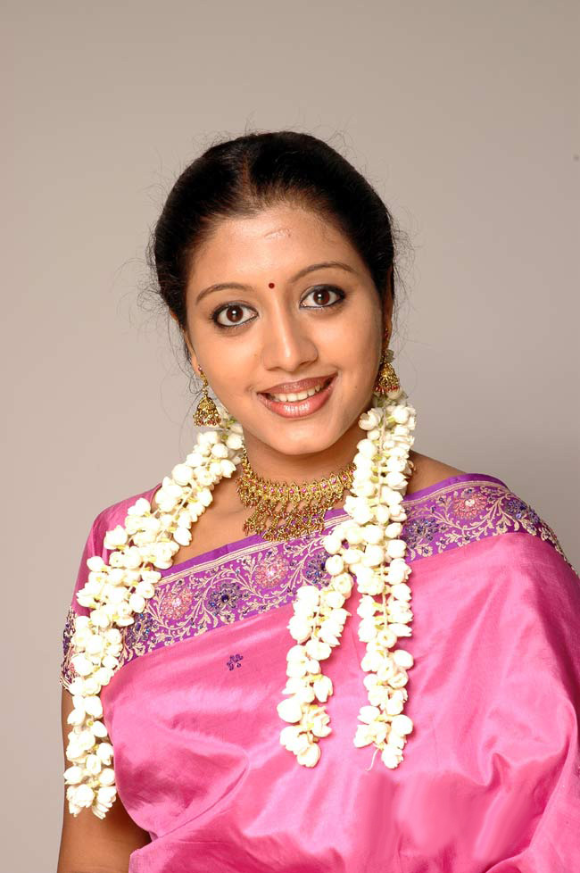 43+ Cute Photos of Gopika 16