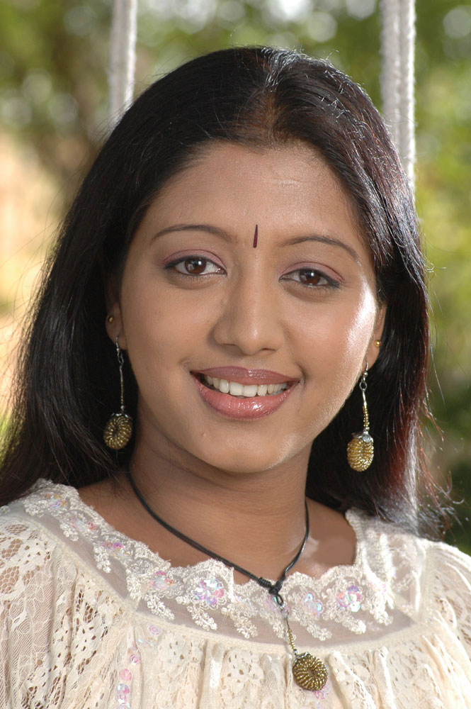 43+ Cute Photos of Gopika 28