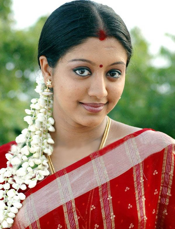 43+ Cute Photos of Gopika 38