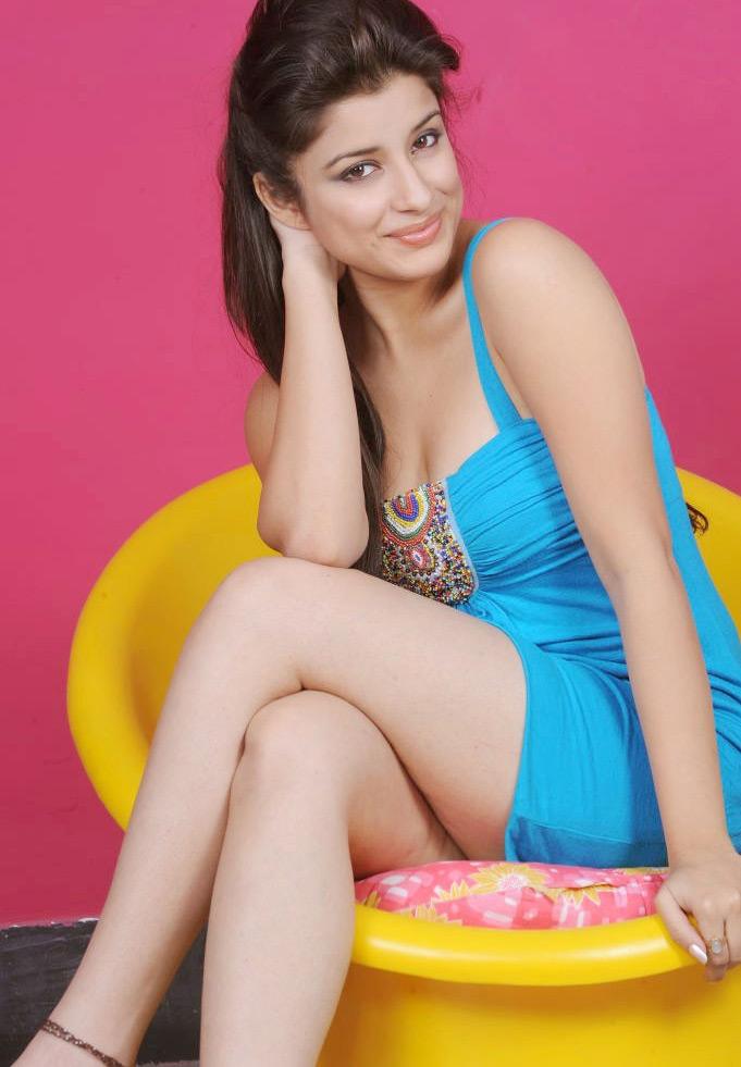 49+ Gorgeous Photos of Nyra Banerjee 125