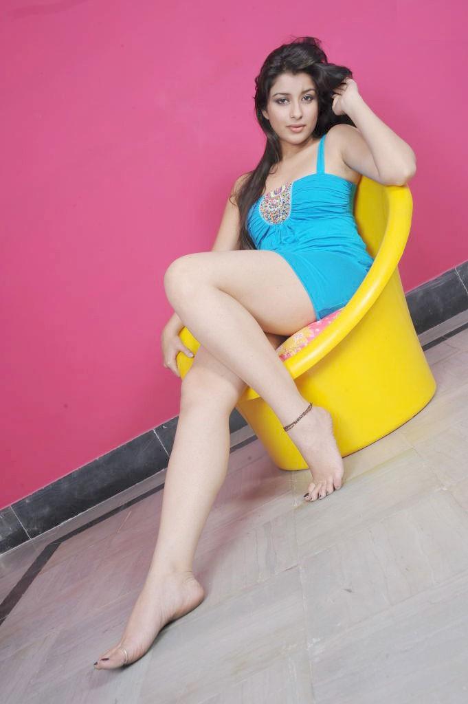 49+ Gorgeous Photos of Nyra Banerjee 129