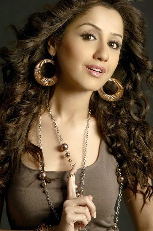 29+ Beautiful Photos of Mallika Kapoor 24