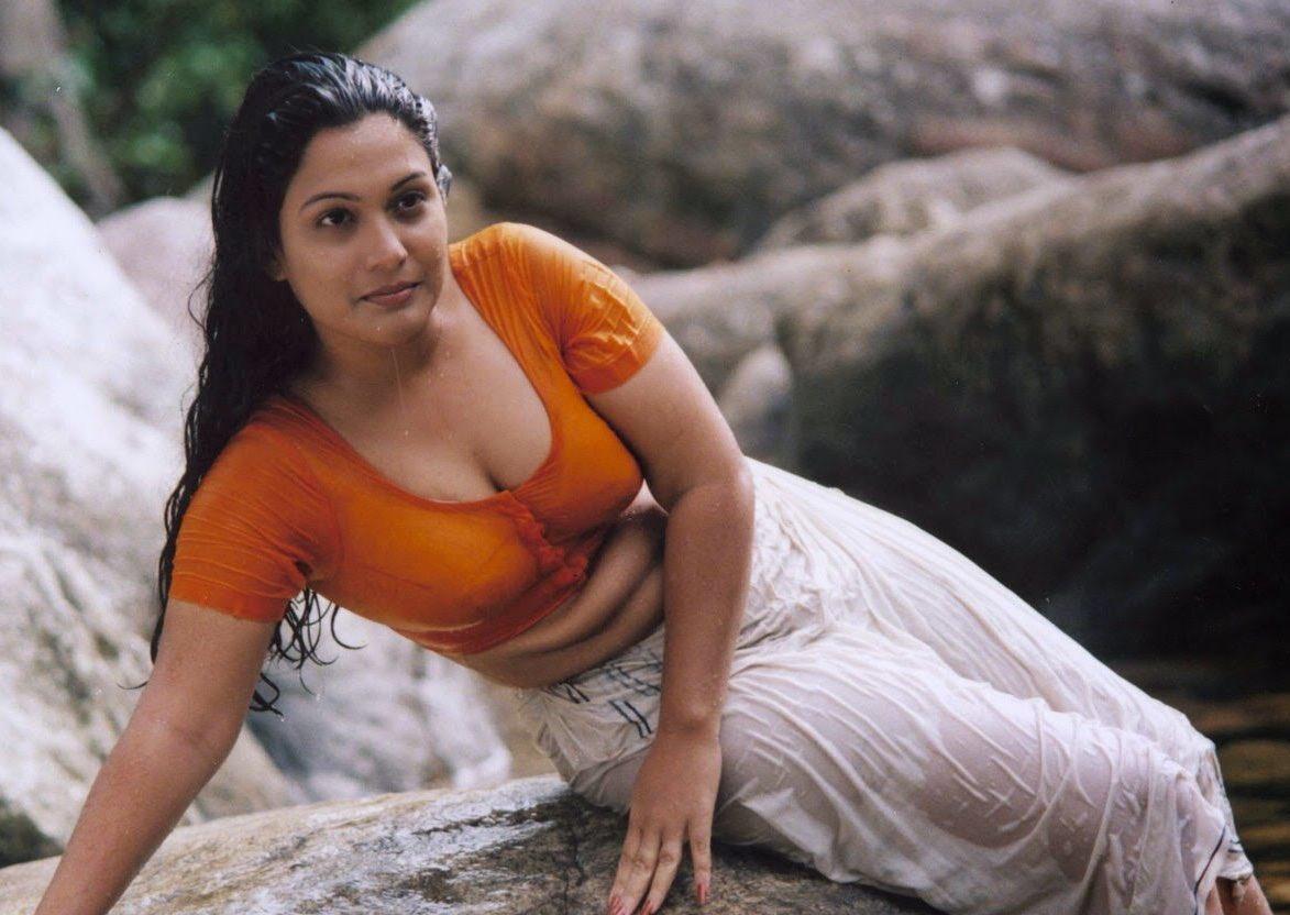 Malayalam B Grade Actress Mariya Photos - Filmi Tamasha