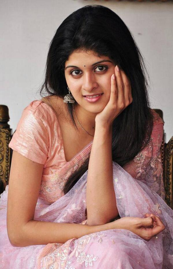19+ beautiful Photos of Mrudhula Bhaskar 10