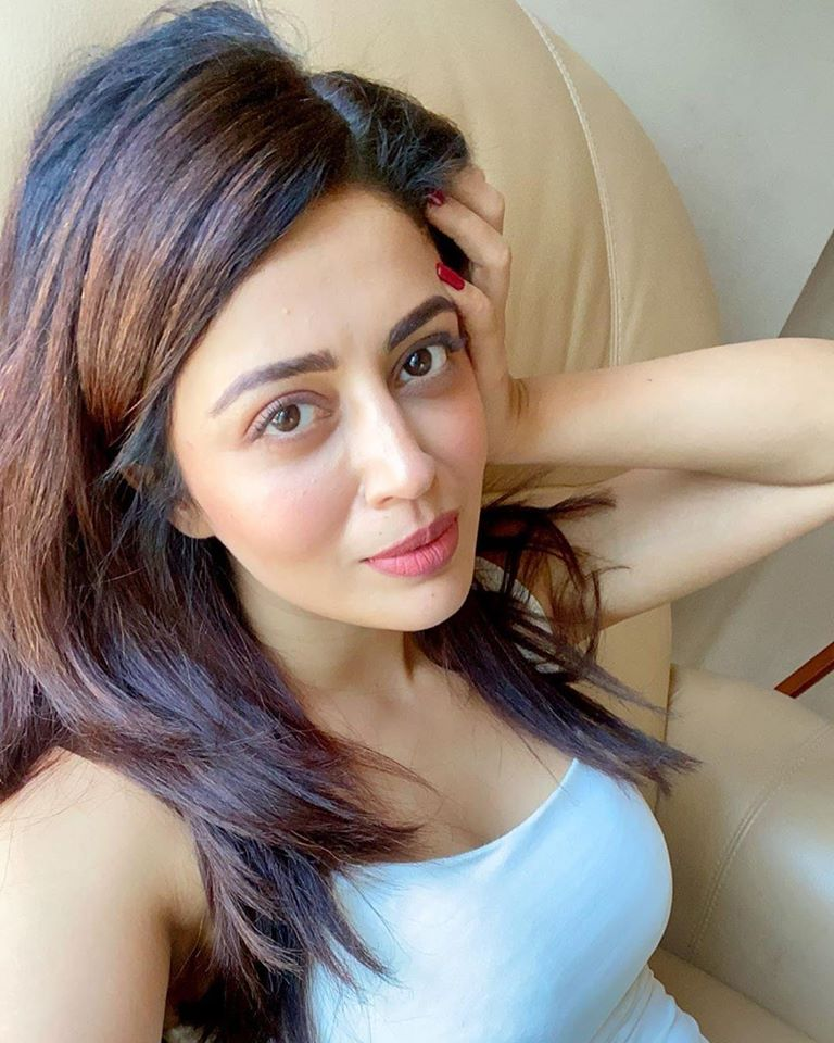 40+ Gorgeous Photos of Neha Pendse 30