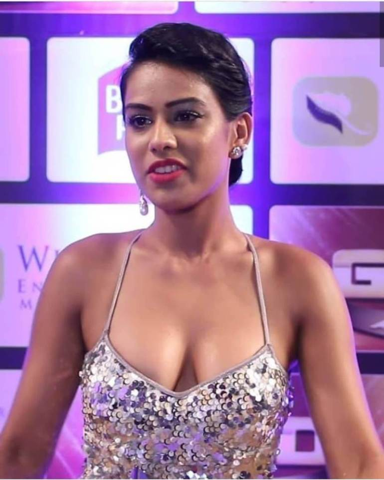 40+ Glamorous Photos of Nia Sharma 120
