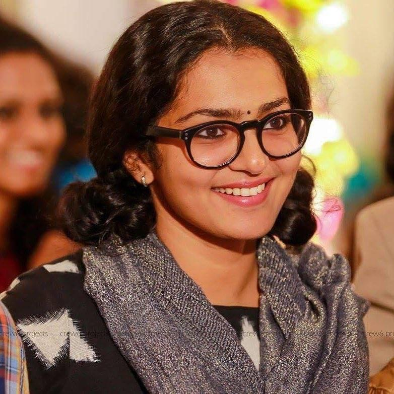 42+ Stunning Photos of Parvathy Thiruvothu 10
