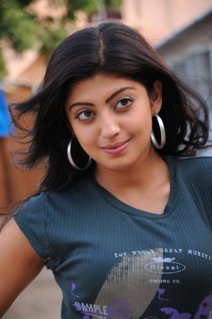 38+ Lovely Photos of Pranitha Subhash 117