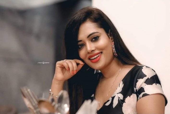 46+ Gorgeous Photos of Remya panicker 33