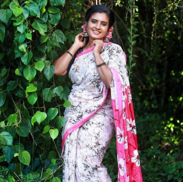 73+ Gorgeous Photos of Roshna Ann Roy 72