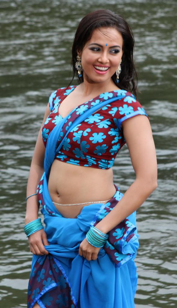 43+ Lovely Photos of Sana Khan 21