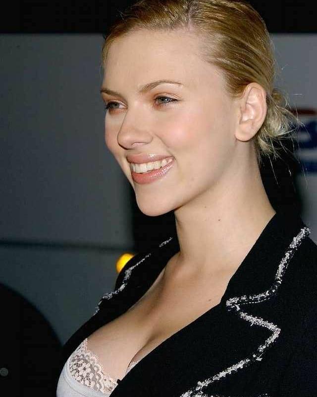 69+ Unseen Photos of Scarlett Johansson 23