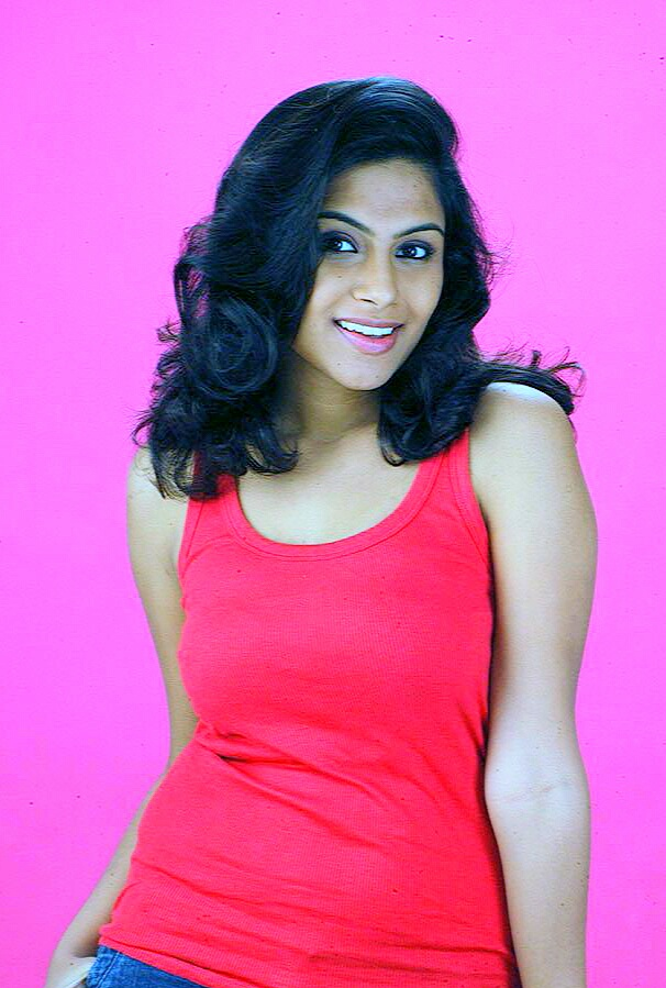 28+ Gorgeous Photos of Sruthi Ramakrishnan 101