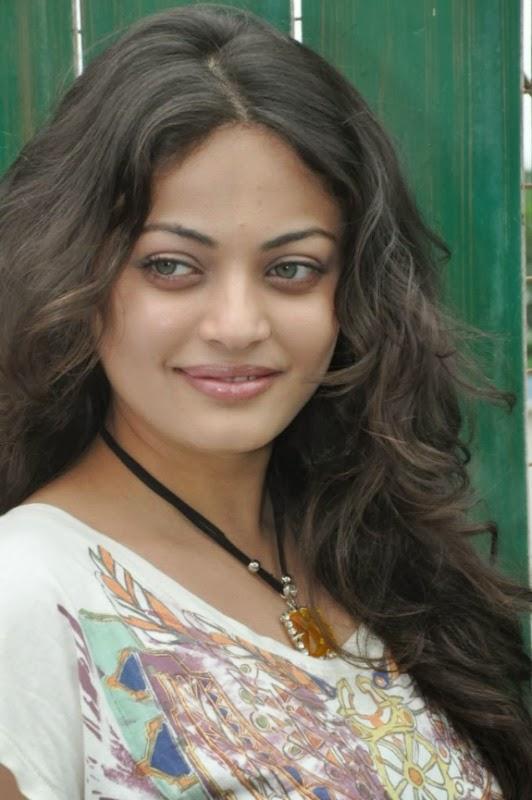 43+ Gorgeous Photos of Sneha Ullal 43