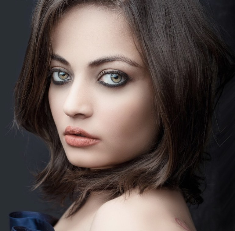 43+ Gorgeous Photos of Sneha Ullal 9
